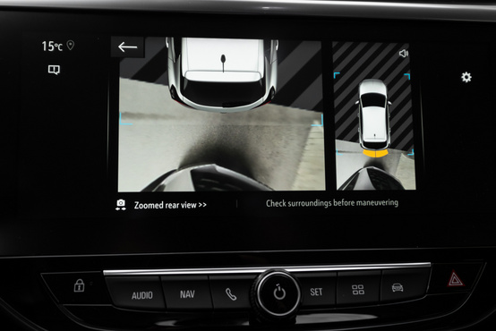 Ekkora autóban ritkaság a 360 fokos kamera