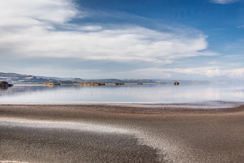 A tó, ami meggyilkolja, és kővé dermeszti áldozatait: elképesztő, mire képes a Medúza-tó vize