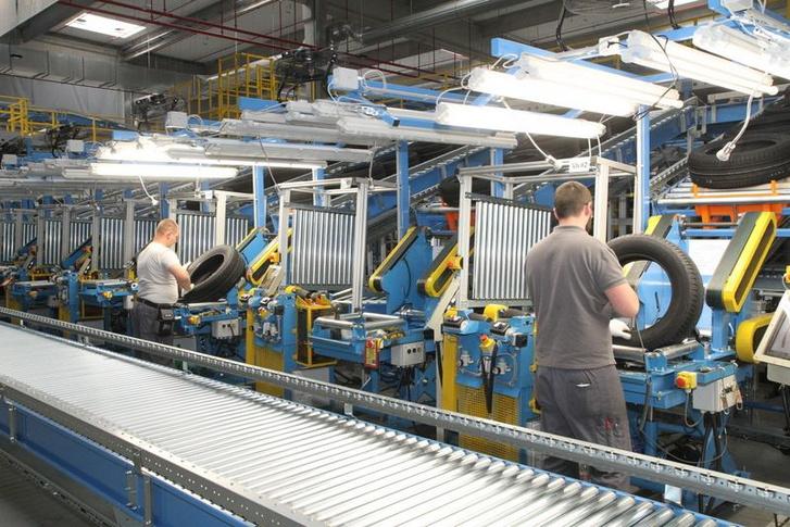 Aki végignézi a sajtógalériát, az olyat láthat, amit mi sem láttunk a gyárban: termelést. A galéria végén pedig a Blizzak LM005 mintázat összes létező nézetben megcsodálható