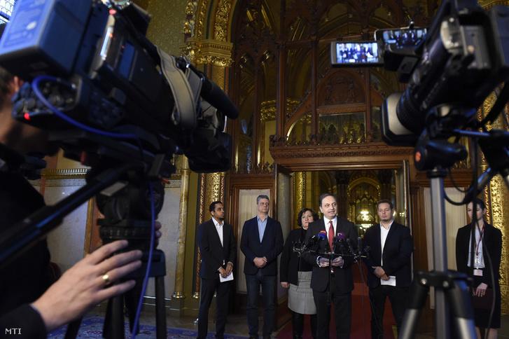 Opposition MPs hold a joint press conference about Fidesz's nominees to the Media Council in the Parliament on 3 December 2019. Left to right: Olivio Kocsis-Cake (Párbeszéd), Zsolt Gréczy (DK), Zita Gurmai (MSZP) Koloman Brenner (Jobbik) Lóránt LászlóKeresztes (LMP).