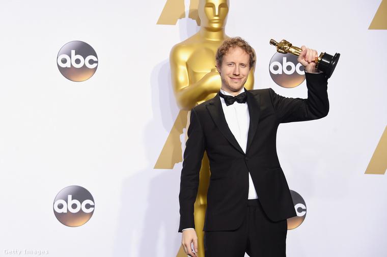 ...például a február 28-i Oscar-gála mindenképpen pozitív értelemben emlékezetes, hiszen megkapta a legjobb külföldi filmnek járó díjat a Saul fia.