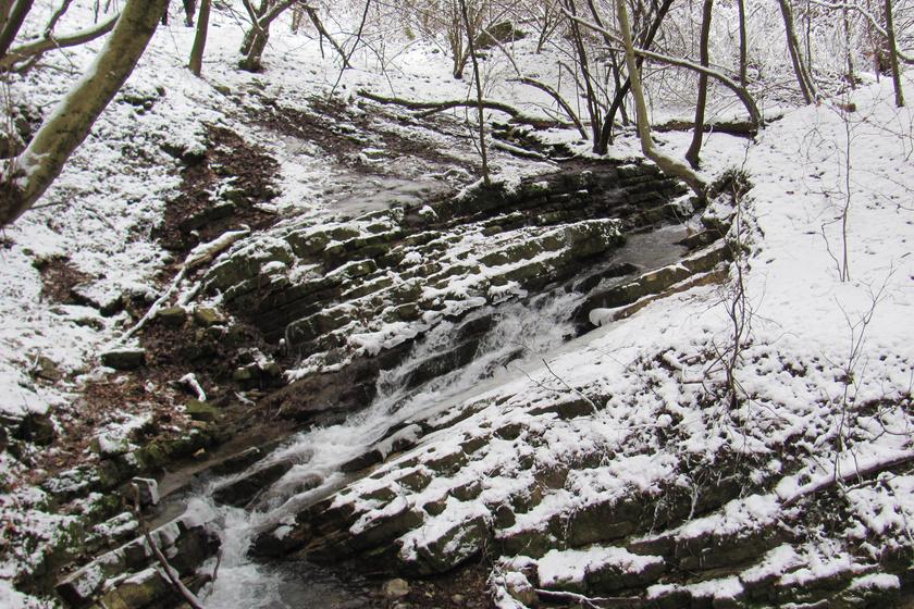 3 csoda szép, alig ismert vízesés itthon: télen is elképesztően látványosak