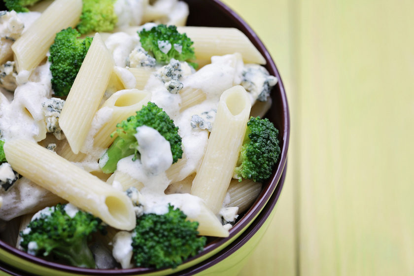 kéksajtos brokkolis penne recept