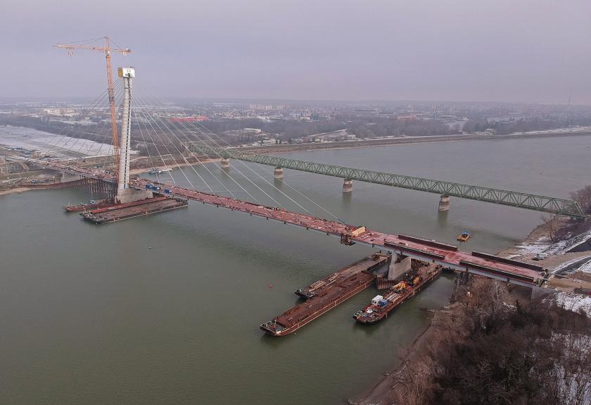 Az új híd teherbírása lehetővé teszi majd a nehézgépjármű-forgalom átvezetését, így jelentősen hozzájárulhat a térség további fejlődéséhez.