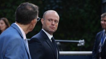 EP-küldöttség: Minél hamarabb távozzon az ügyvezető máltai kormányfő