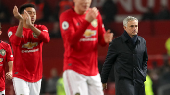 Vereséggel mutatkozott be José Mourinho Manchesterben
