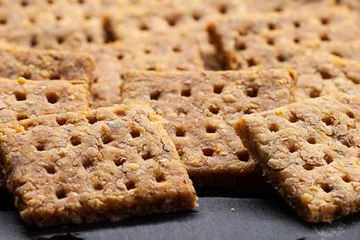 Villámgyors, parmezános sós keksz - Isteni ropogtatnivaló