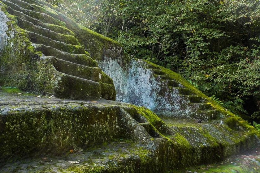 3 ezer évig elrejtette az erdő a titokzatos olasz piramist: meglepte a régészeket, hogy mit találtak