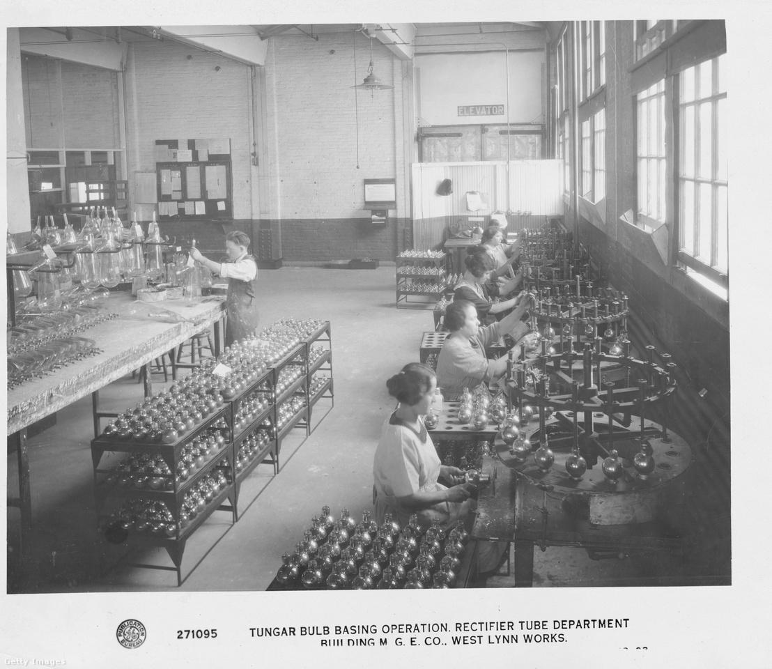 A General Electric villanykörteüzeme 1915-ben