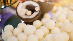 Házi édesség a fa alá: fehér csokis-narancslikőrös trüffelgolyók