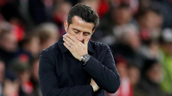Az 5-2-es vereség után kirúgta edzőjét az Everton