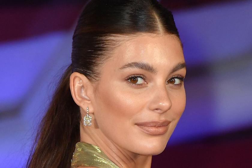 Akár egy hercegnő - Leonardo DiCaprio fiatalabb barátnője káprázatos estélyit viselt a filmfesztiválon