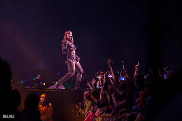 A 2016-os Sziget fesztivál szintén egy negatívum miatt emlékezetes: ekkor volt a botrányosan rossz Rihanna-koncert