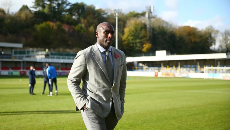 Sol Campbell már a Southend United menedzsereként novemberben.