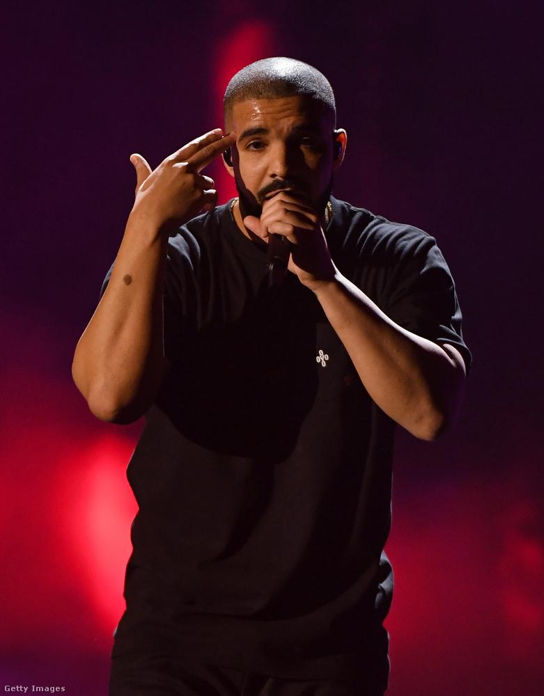 Zeneileg is egy elég kiábrándító év volt a 2016-os, például ha azt vesszük figyelembe, hogy az év legnagyobb slágere a One Dance volt Drake-től, amivel kapcsolatban az egyetlen érdekesség, hogy videoklip nélkül volt hónapokig első a világ összes mérvadó slágerlistáján