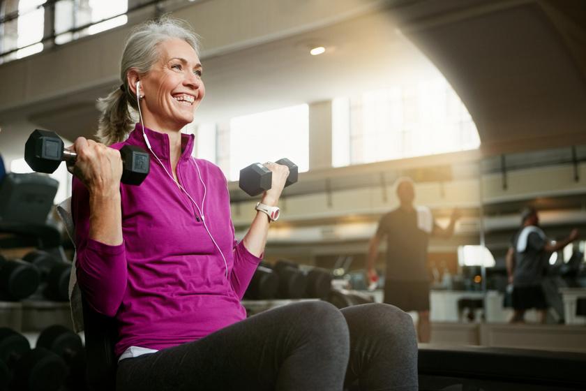 Feszes test, erős csontok 60 felett: 5 edzés, ami jót tesz, és 4, amit hanyagolj
