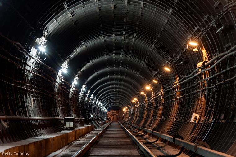 Az orosz 2-es metró vonala olyan, mintha egy kémregény rejtélyes helyszíne lenne