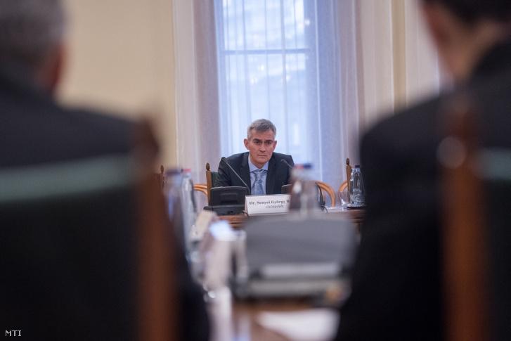 Az Országos Bírósági Hivatal (OBH) elnöki posztjára jelölt Senyei György Barna meghallgatásán az Országgyűlés igazságügyi bizottságának ülésén az Országházban 2019. december 6-án