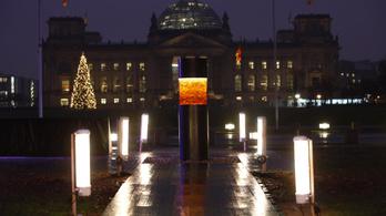 Holokauszt áldozatok hamvait állították ki Berlinben, most bocsánatot kértek érte