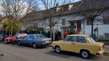 Karácsony előtti utolsó könyvvásár a Csikósnál