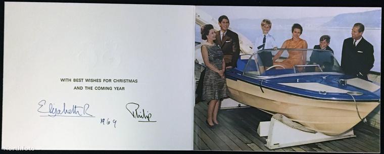 Bárkinek is volt a feladata, hogy kiválassza a fotót a királyi család karácsonyi üdvözletéhez, az illető 1969-ben úgy érezte, hogy egy motorcsónakos kép lesz a legmegfelelőbb.