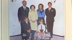Íme negyedszázad karácsonyi lapjai a brit királyi családtól