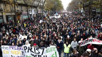 Folytatódik a francia gigasztrájk, de a kormány nem hátrál