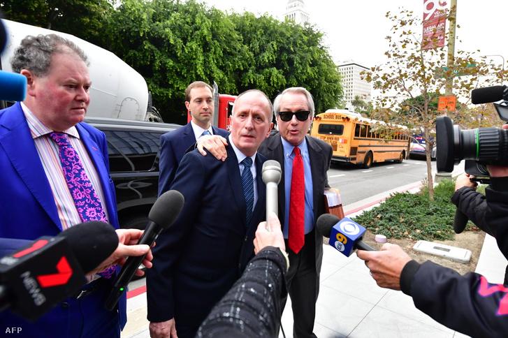 Vernon Unsworth és az ügyvédei: L. Lin Wood és Mark Stephen érkeznek a Los Angeles-i bíróságra 2019. december 3-án
