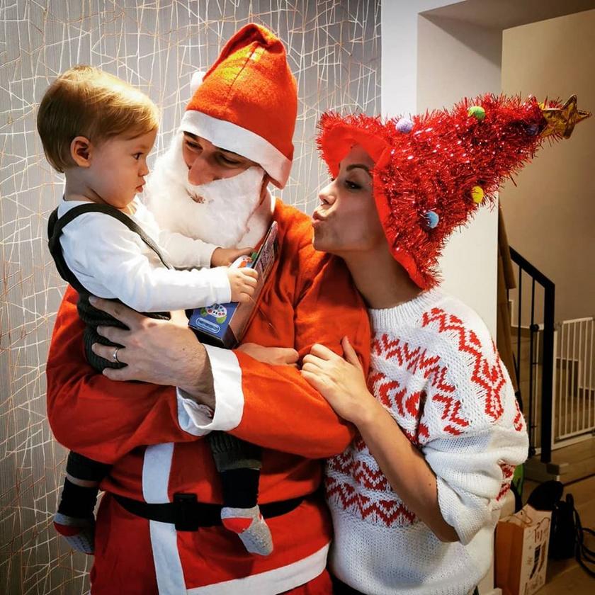 Kiss Ramóna fia, Noé 2018 januárjában született, idén kapott először ajándékot a Mikulástól.