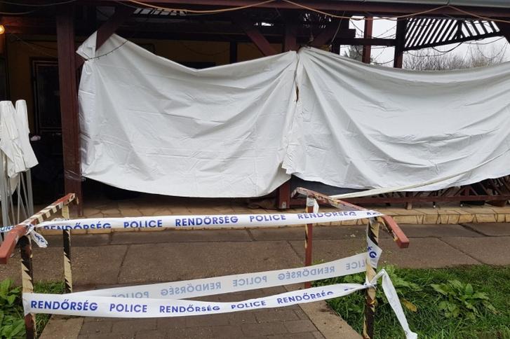 A nagylóki kocsma terasza, ahol a magára hagyott, kihűlt férfit megtalálták