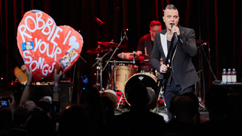 Robbie Williams utolérte Elvis Presley-t a briteknél