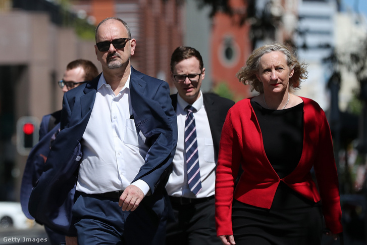 Bradley Edwards védői érkeznek a nyugat-ausztrál körzeti bíróságra, 2019. november 25-én