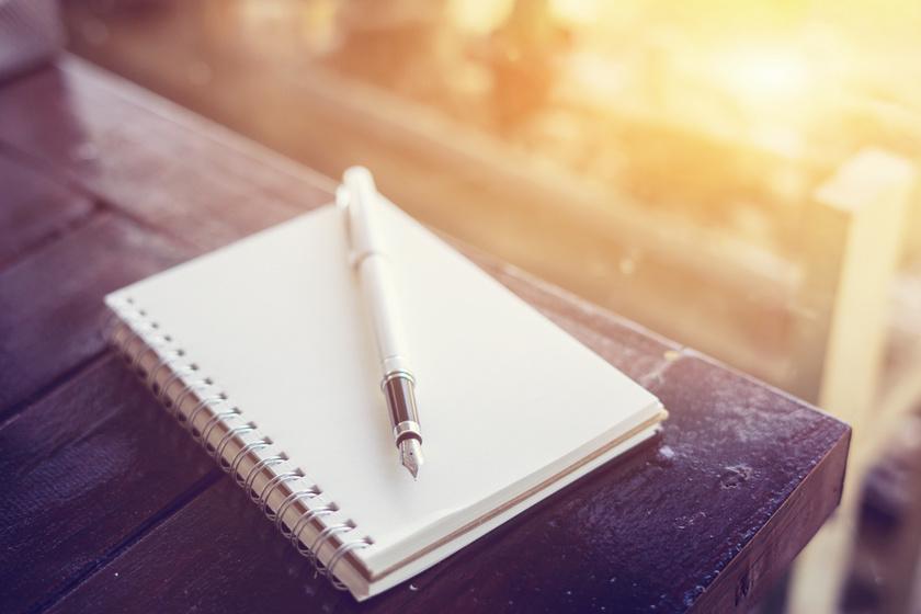 Egy szál tollal rajzol lenyűgöző képeket a férfi: imádjuk az alkotásait