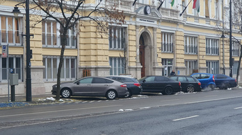 Öt év alatt 150 millióba került Józsefváros fideszes vezetésének autóhasználata