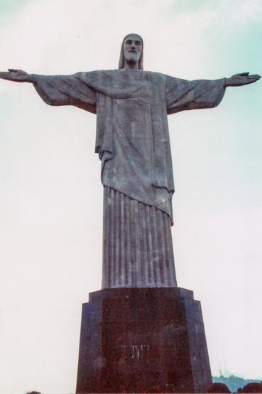 A 30 méter magas Megváltó Krisztus szobor