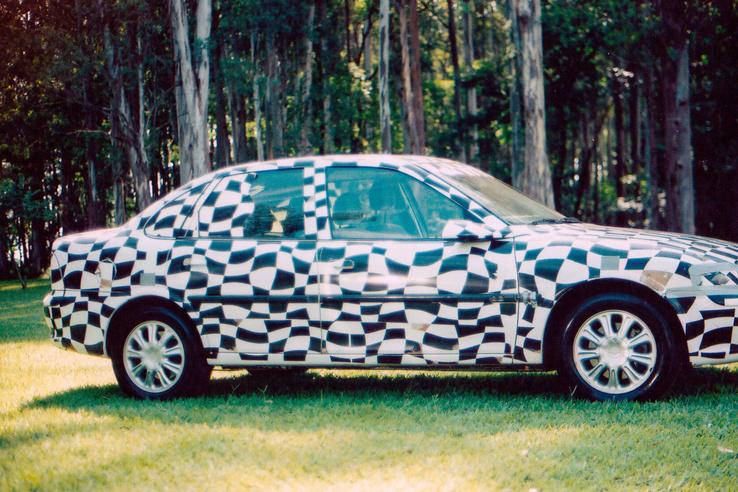 Az Autó-Motor a bizonyíték, hogy a negatívon rajta van a Vectra orra, csak rosszul nagyították le a laborban