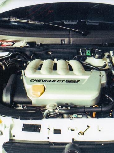 Ha netán valakinek ismerős lenne, ez egy szentgotthárdi motor, mivel az egész világot tőlünk látta el ilyenekkel a GM