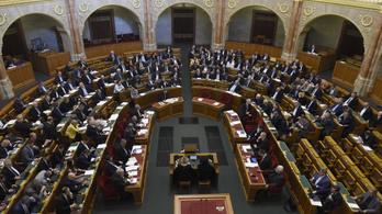 Alaptörvény-módosítással zárja az évet a parlament