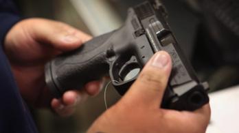 Amerikai cégek uralják a fegyverkereskedelem felét