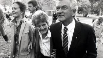 Megerőszakolták, de apja inkább eltitkolta az ügyet - állítja a néhai ausztrál kormányfő lánya