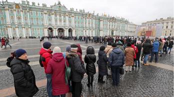 Robbantással fenyegettek orosz bíróságokat, kórházakat, hajókat