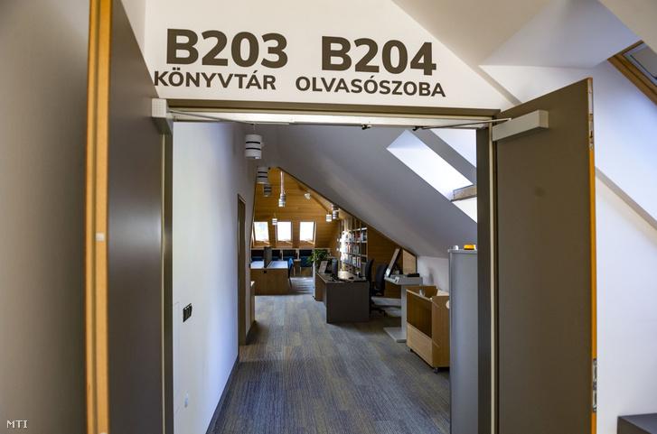 A Budapesti Corvinus Egyetem Székesfehérvári Campus új épületének könyvtára és olvasóterme az átadás napján 2019. szeptember 4-én.
