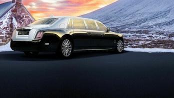 Hétméteres, full páncélozott Rolls-Royce-t valaki?