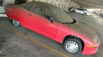 Porosodó EV1-est találtak egy parkolóban