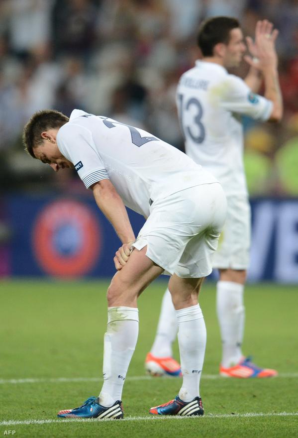 A spanyolok még soha nem verték tétmeccsen Franciaországot, most viszont még csak meg sem kellett magukat erőltetniük a kockázat nélkül, gyengén futballozó Benzemáék ellen.