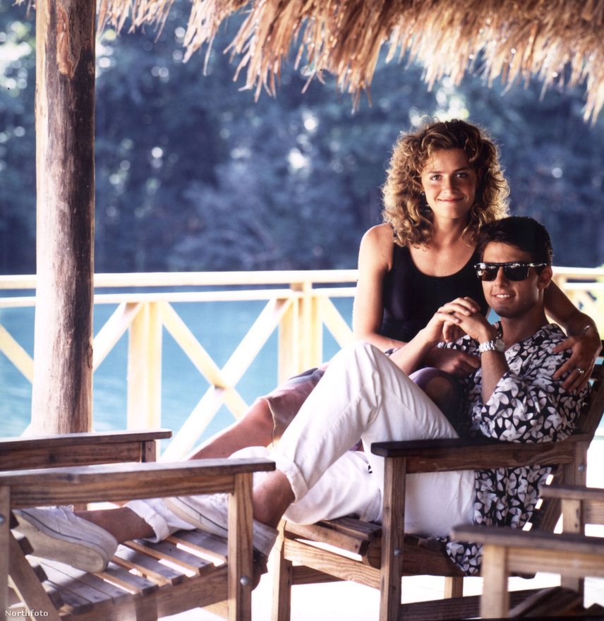 Mert a Koktélban nagyon nem úgy nézett ki, mint a fenti fotón. Aki a Top Gun miatt nem lett szerelmes Cruise-ba, azt biztosan megfogta a Koktél.
