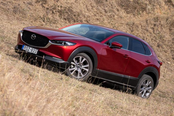 Hét centit kivettek a hosszából a Mazda 3-ashoz képest