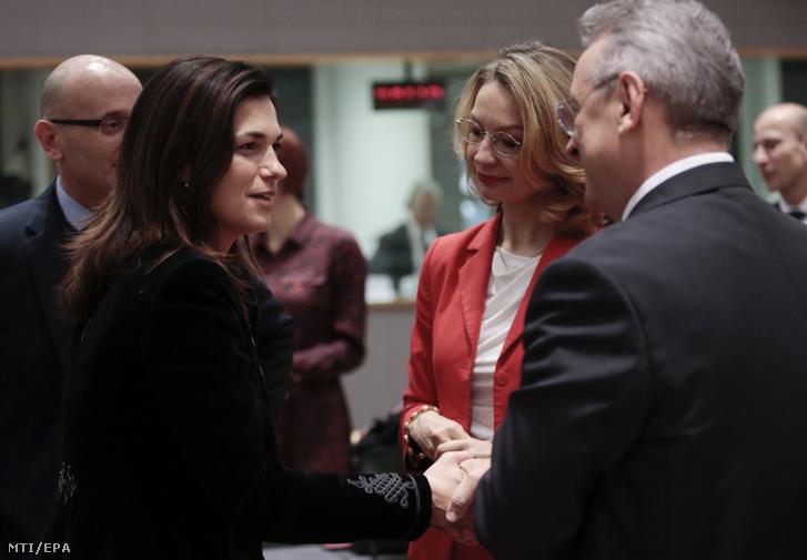 Varga Judit igazságügyi miniszter és Tytti Tuppurainen finn európai uniós ügyekért felelős miniszter az európai uniós Általános Ügyek Tanácsának a Magyarországgal szemben indított 7-es cikk szerinti eljárásról folytatott meghallgatás előtt Brüsszelben 2019. december 10-én.