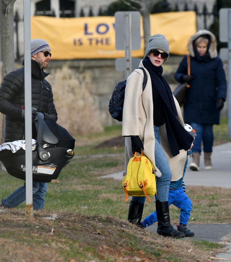 Már volt egy közös gyermekük, ő a 3 éves Jonathan Rosebanks Shulman.