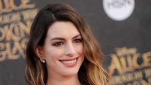 Megszületett Anne Hathaway második gyereke